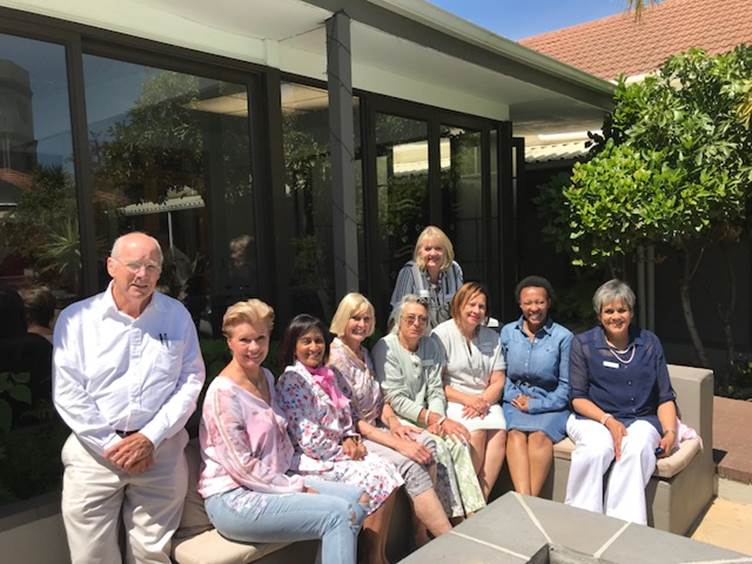 Reach for Recovery Board of Management: Doug Crisp, Edith Venter, Nirri Moethilalh, Ann Steyn, Alison Ayre, Stephanie van Deventer (back), Stephné Jacobs, Jowie Mbengo, Leonie Harry. (not present Karin Baatjes)